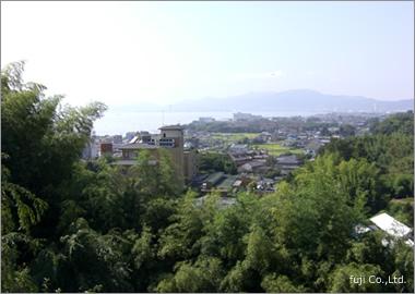琵琶湖を一望