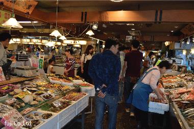 お土産を買いに、七尾市にある「能登食祭市場」でショッピング