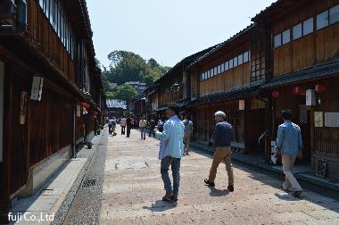 金沢の「ひがし茶屋街」に到着