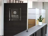 オフィス玄関